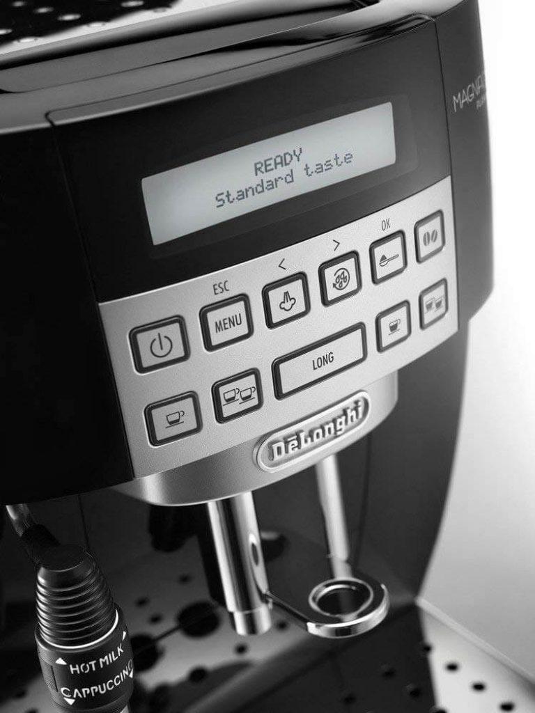 machine à café à grainDelonghi Magnifica S ECAM 22.110.B